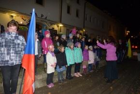 Česká hymna v podání dětského počernického sboru Rokytka