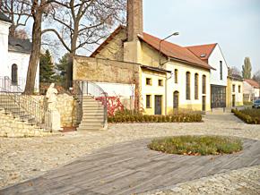 Revitalizace historického centra zámeckého areálu v Dolních Počernicích – likvidace ekologických zátěží, zvýšení atraktivity a příprava rozvoje podporovaného území