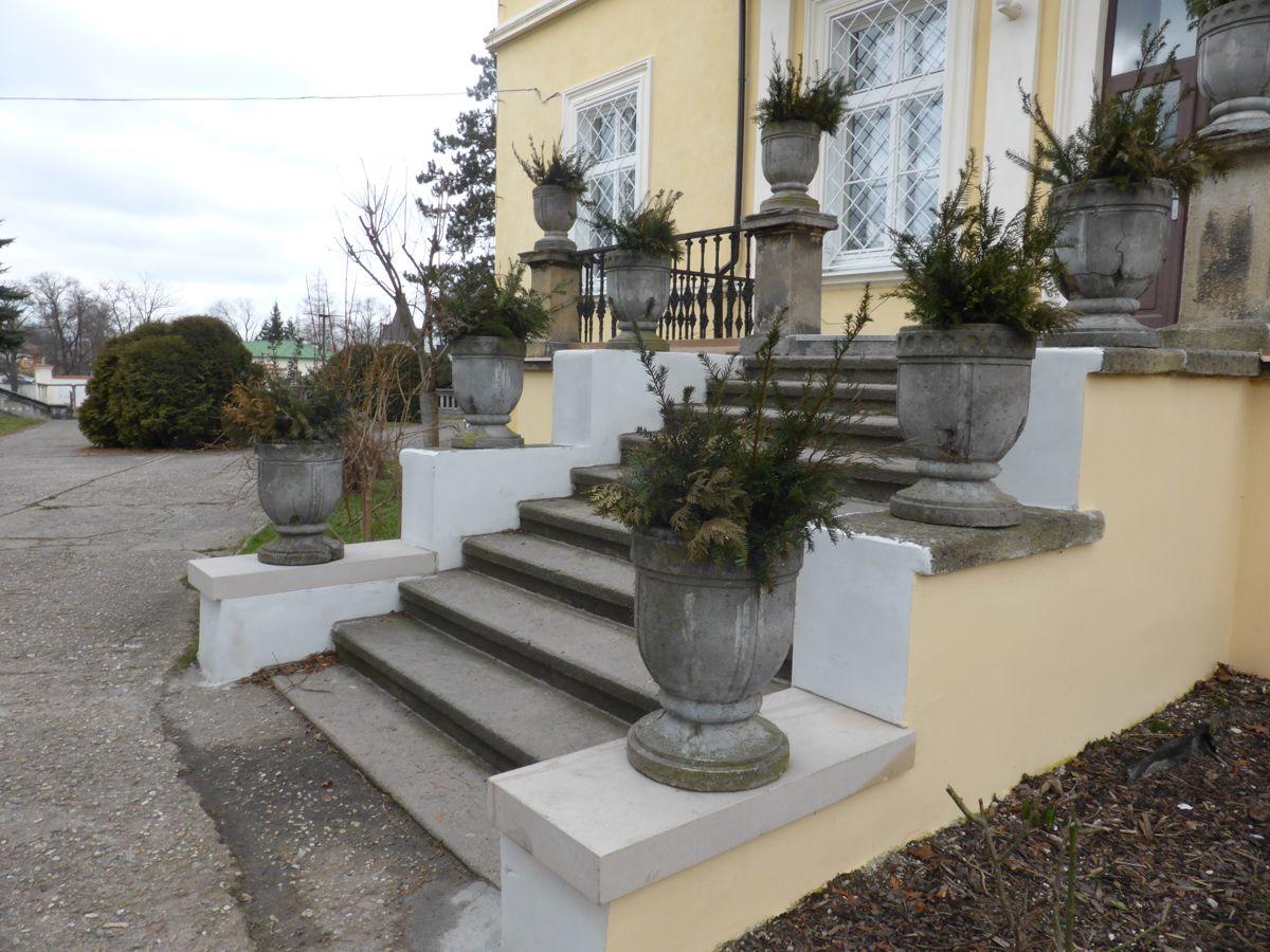 Terasa se schodištěm (nový zámek)