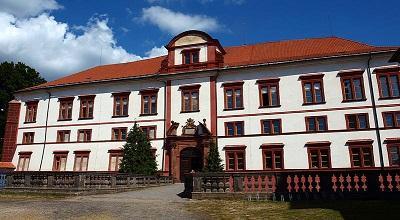 Květnový výlet se seniory - zámek Zákupy a kaple Sv. Anny